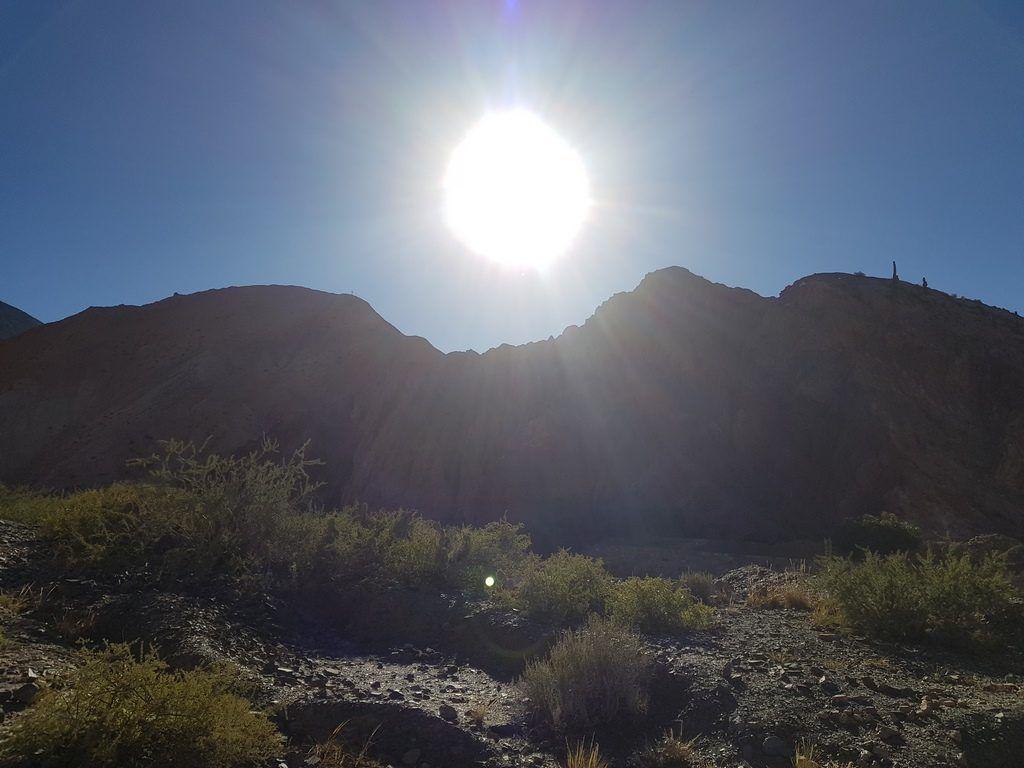 purmamarca sol cerro